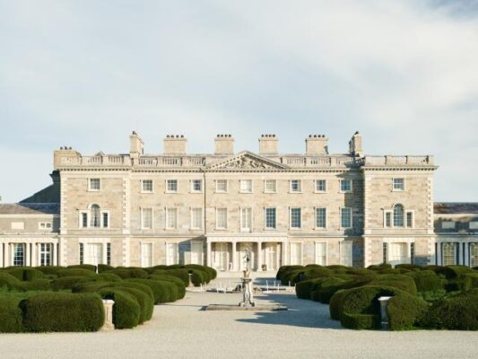 'Carton House and its contents: collection and dispersal in context, 1729-1949'